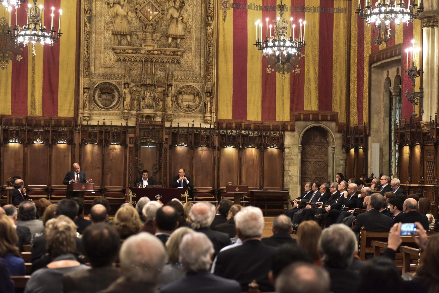 Acte de lliurament de premis SEBAP 2016 al Saló de Cent de l'Ajuntament de Barcelona