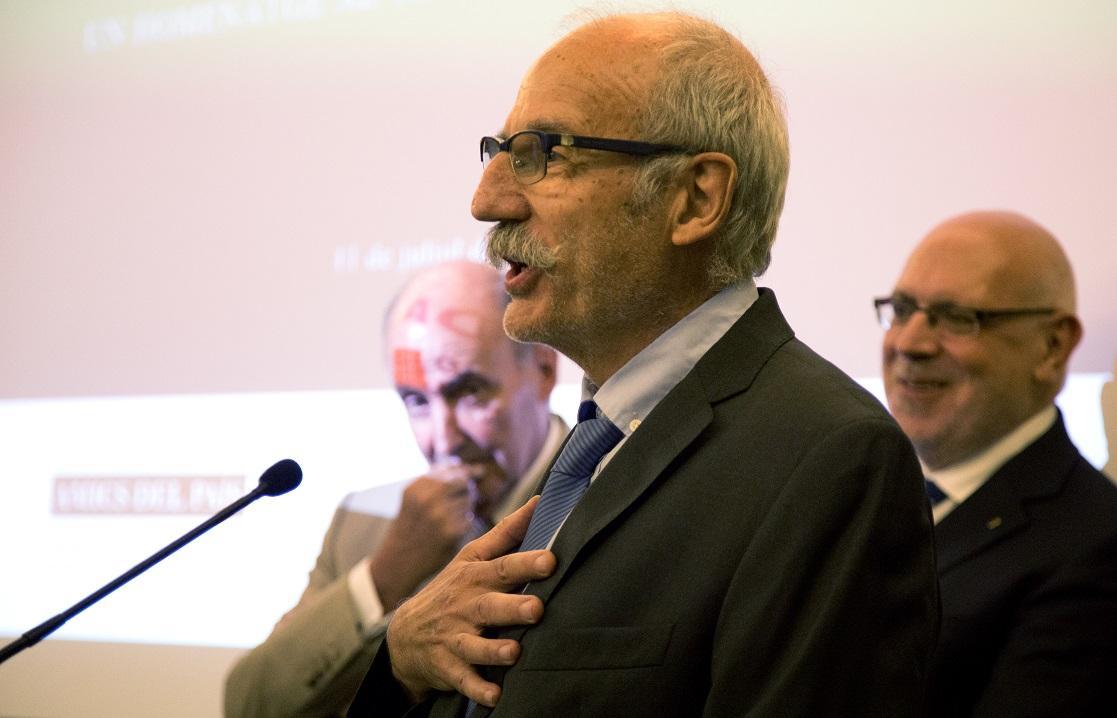 Ramon Trias, AIS